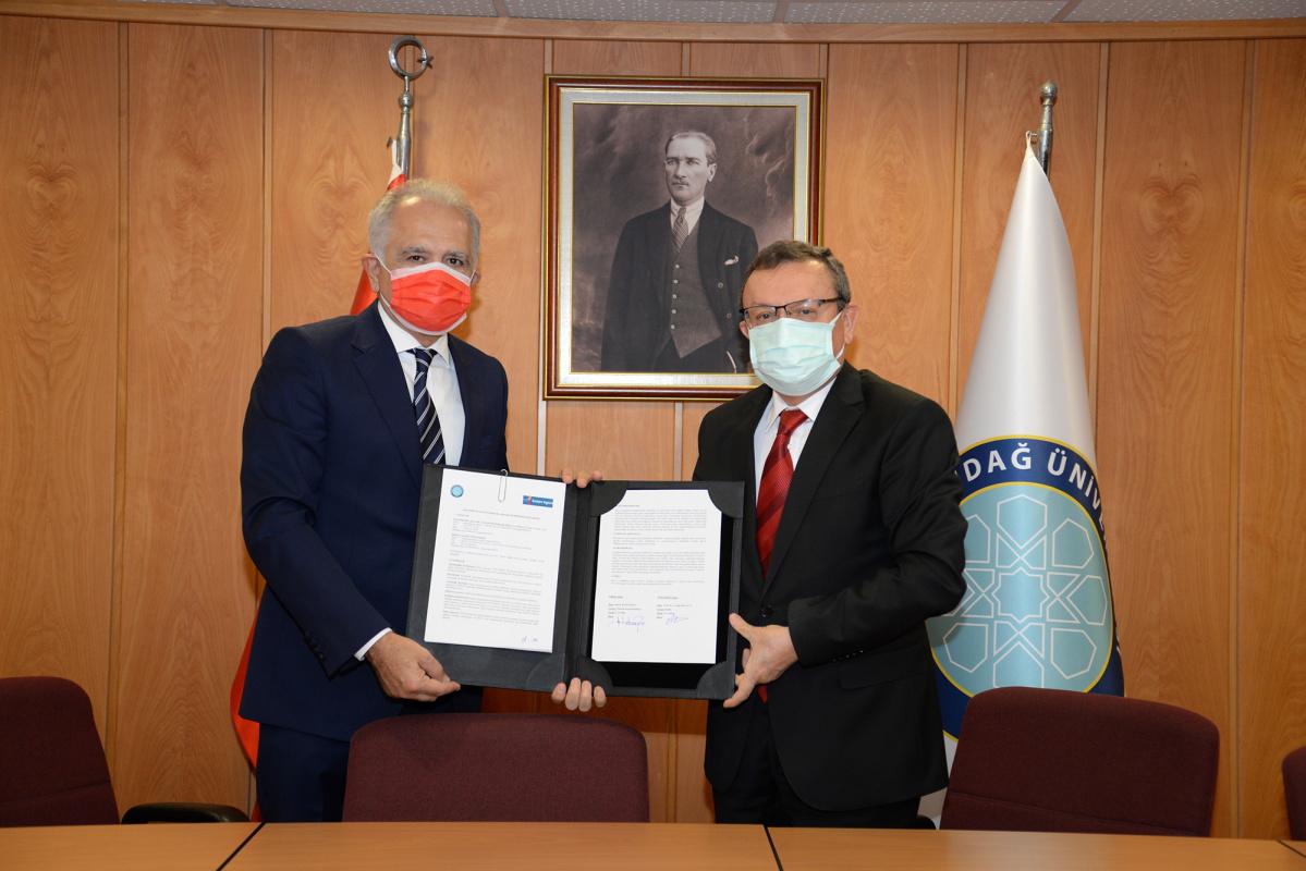 BUÜ, Üniversite-Sanayi işbirliğinde yeni birincilikler hedefliyor