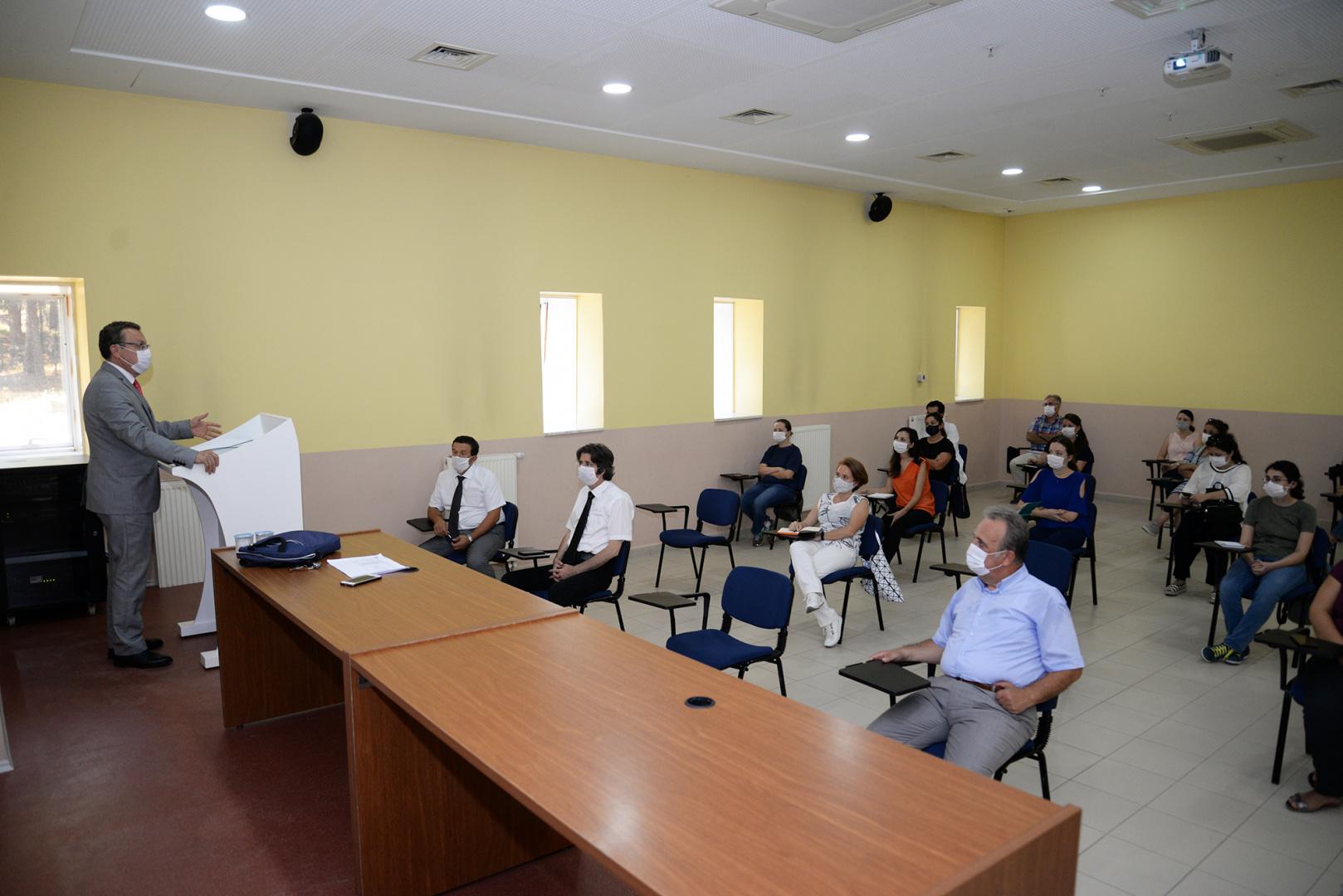 BUÜ'de yeni dönem öncesi akademisyenlere inovasyon eğitimi
