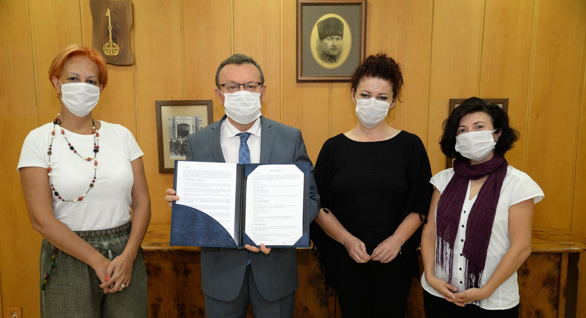 BUÜ'lü Akademisyenler ile INOVENSO TEKNOLOJİ firması arasında Hak Devri Sözleşmesi İmzalandı!