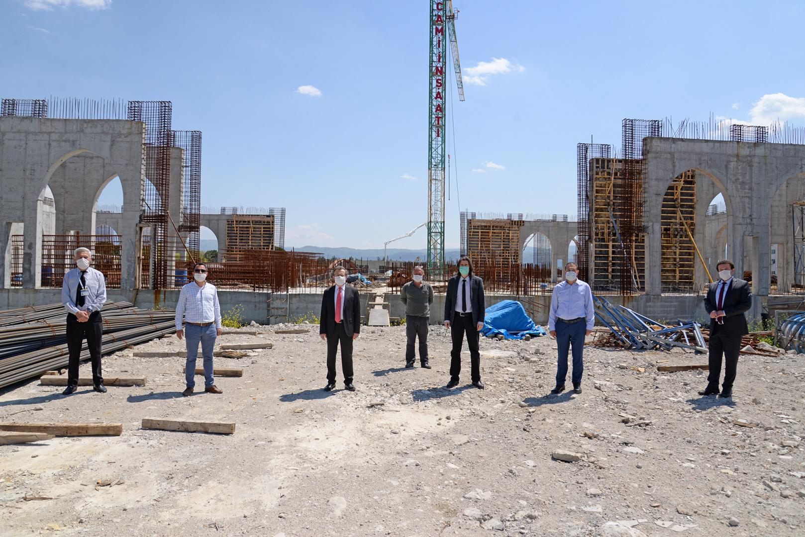 Bursa Uludağ Üniversitesi Yeni Camii hayırseverlerden destek bekliyor