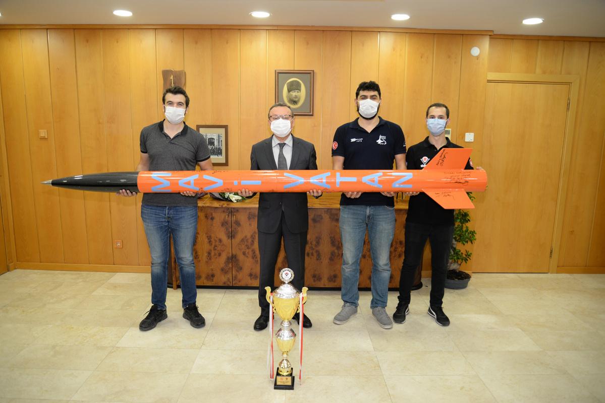 Rektör Kılavuz'dan genç mühendislere tam destek