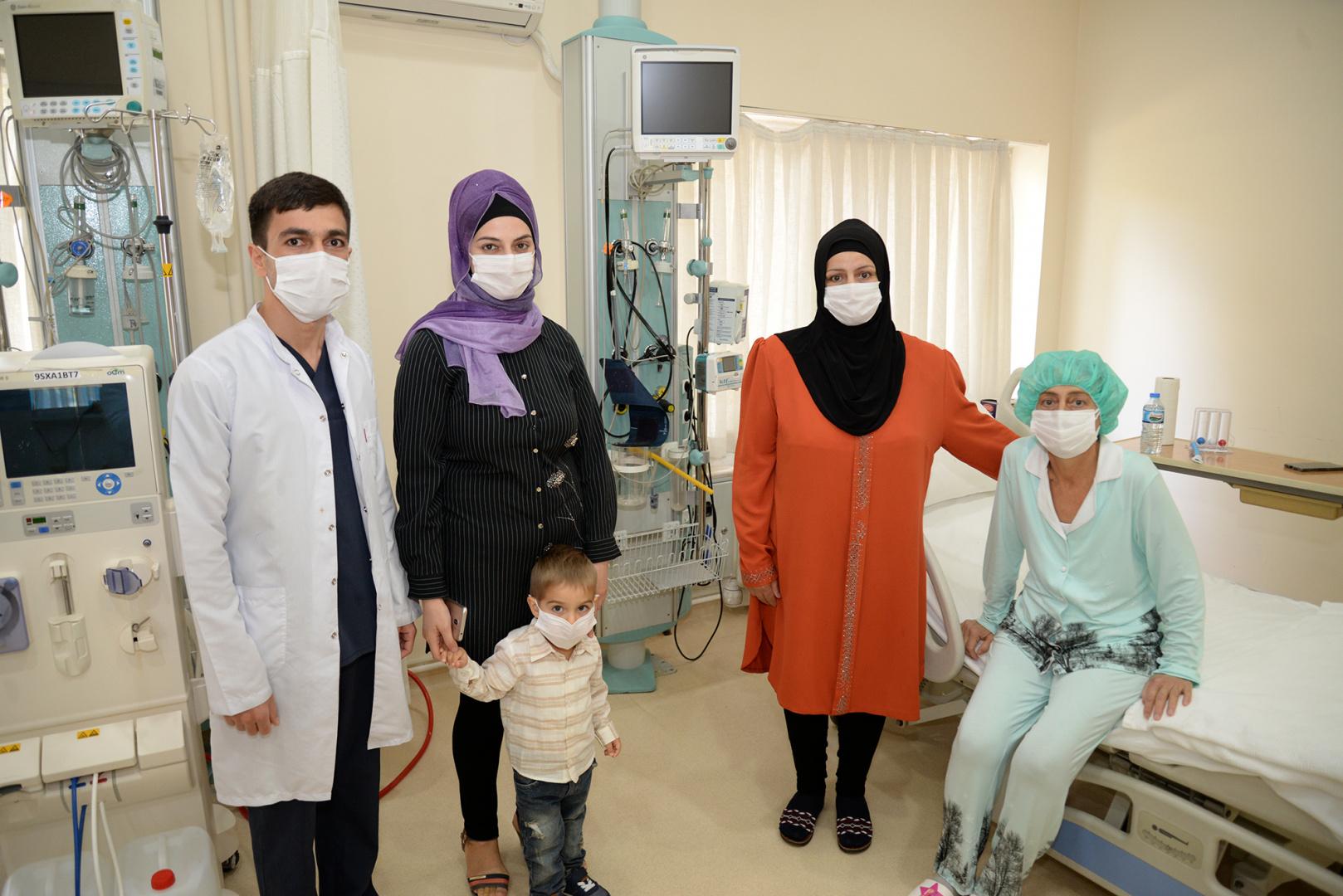 Azerbancanlı hasta Bursa'daki böbrek nakli ile şifa buldu
