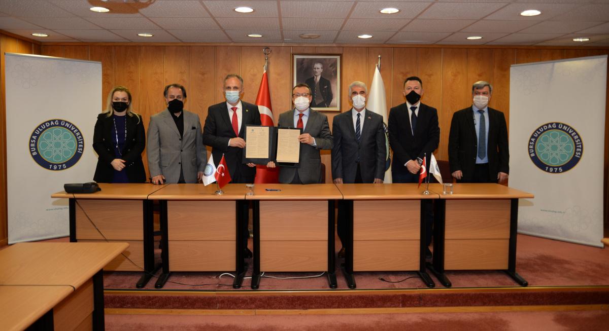 Kosova Hasan Priştine Üniversitesi ile akademik işbirliği protokolü