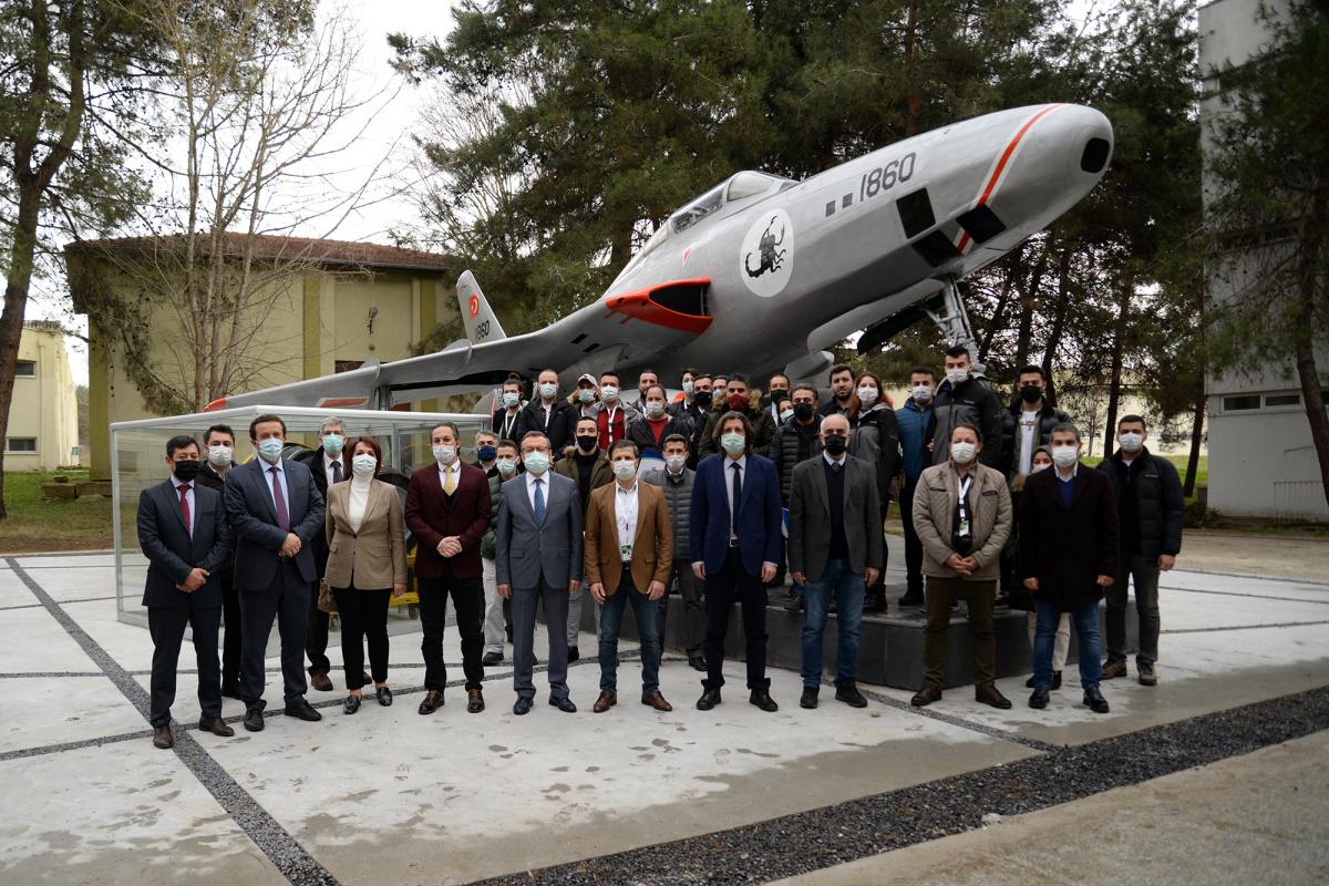 Üniversitenin simgelerinden olan 'Keşif Uçağı' yenilendi