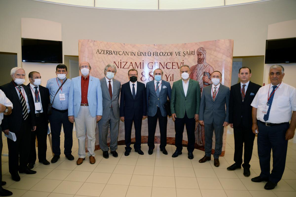 Azerbaycan'ın milli şairi Nizami Gencevi Bursa'da anıldı