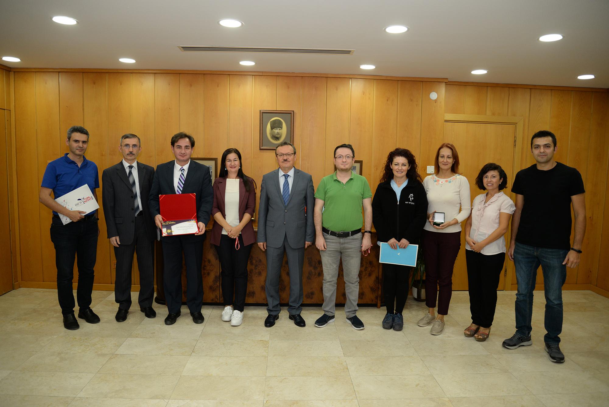 TEKNOFEST kapsamında İstanbul'da düzenlenen ISIF 2019  Fuarı'nda,  Bahçe Bitkileri Bölümü Öğretim Üyesi Doç. Dr. Asuman Cansev  ve  ekip arkadaşları  'Bitki Büyüme ve Gelişmesinde Sitidin Kullanımı' isimli patent ile altın madalyaya layık görüldü.