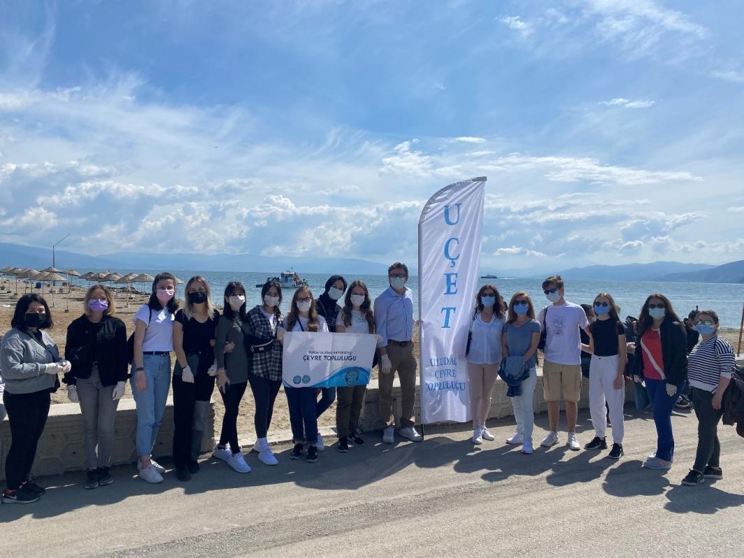 Çevre Mühendisliği Öğrencileri Mudanya Güzelyalı Sahilinde Kıyı Temizliği Yaptı