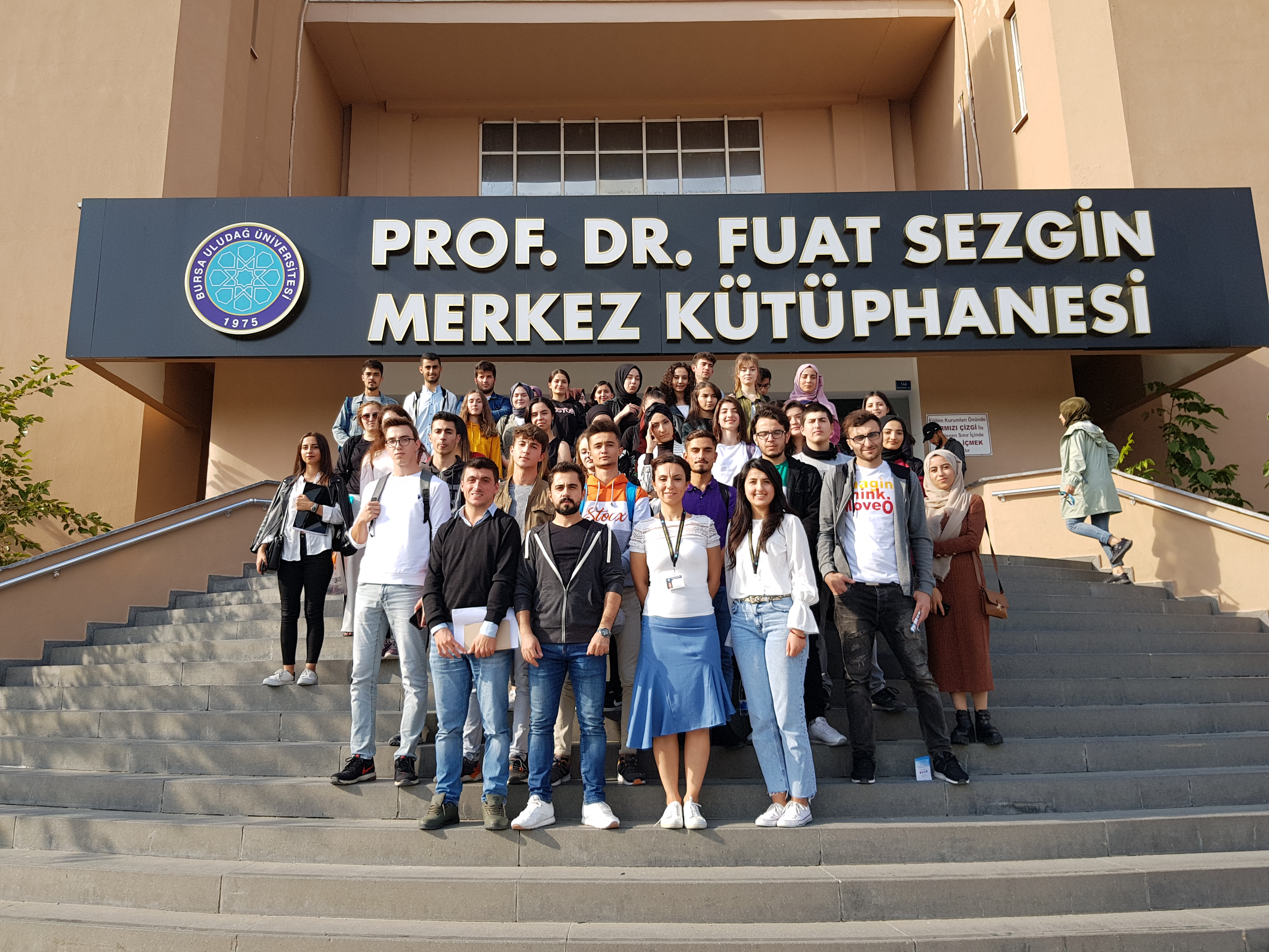 Coğrafya Bölümü 1. Sınıf Öğrencileri Bursa Uludağ Üniversitesi Prof. Dr. Fuat SEZGİN Merkez Kütüphanesinde