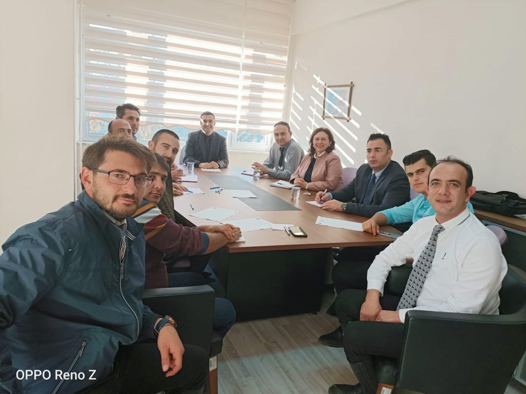Sektör temsilcileri toplantısı Mennan Pasinli Atçılık Meslek Yüksekokulu'nda yapıldı