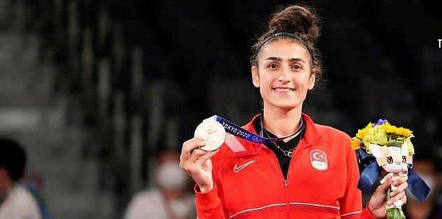 2020 Tokyo Olimpiyat Oyunları'nda Öğrencimiz Hatice Kübra İlgün Bronz Madalya Kazandı